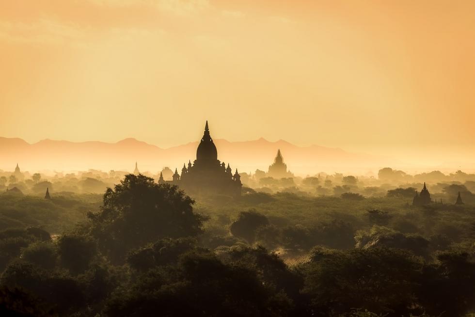 Birma zwiedzanie zLogos Tour - poznaj piękną kulturę tej części świata.